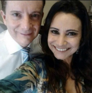 """Com a ex Flávia Feola: """"Deus nos livre desse pesadelo"""""""